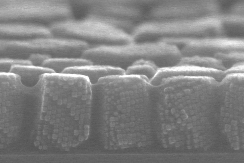 Novo método faz com que nanocristais se organizem sozinhos