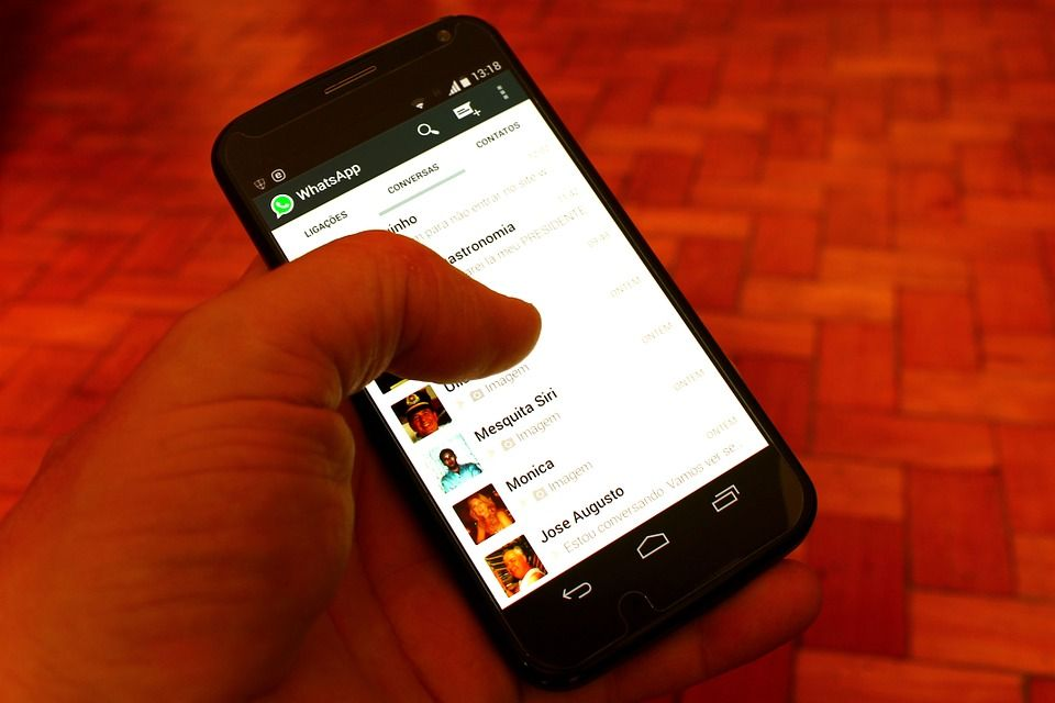 WhatsApp está banindo membros de grupos com nomes maliciosos