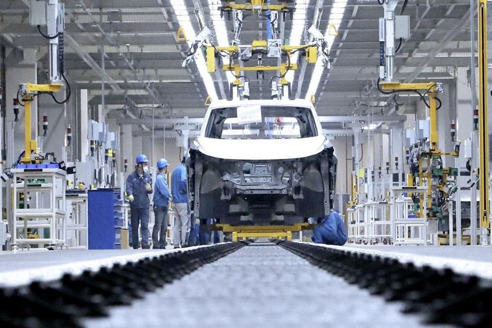 Volkswagen começa a fabricar veículos 100% elétricos na China