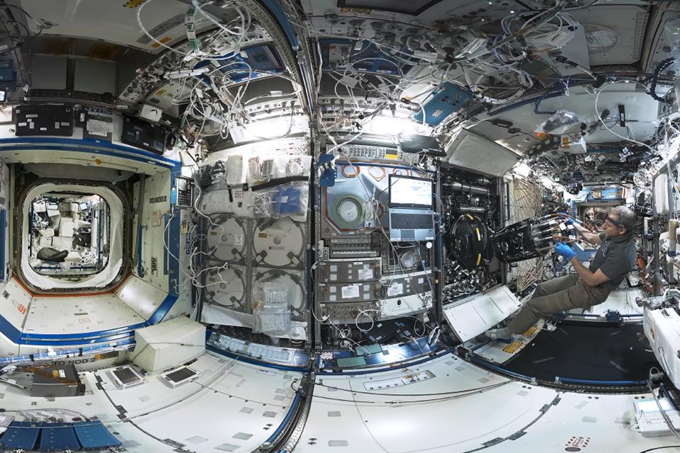 NASA cria projeto de passeio à ISS via realidade virtual