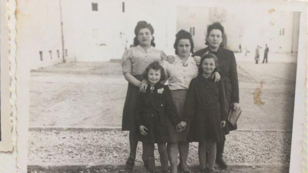 menina salva sobrevivente do Holocausto