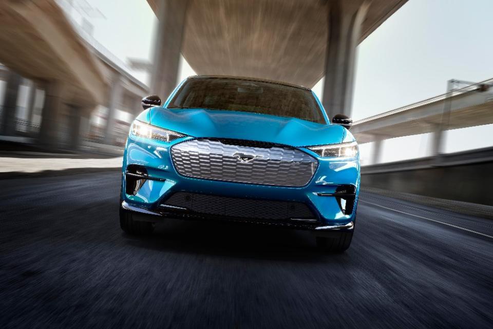 Ford apresenta o primeiro Mustang elétrico: o Mach-E