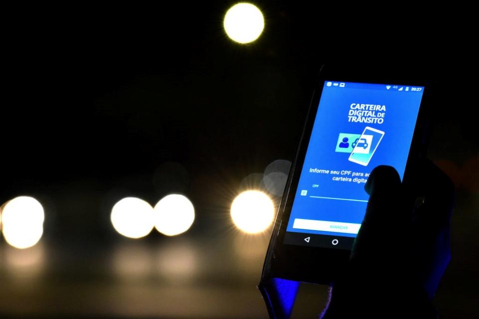 CNH digital vai ter avisos de multas, recalls e renovação