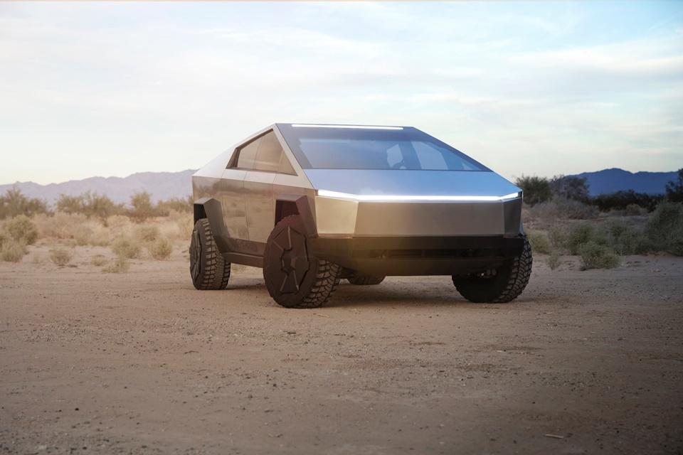 Tesla já 'vendeu' 200 mil Cybertrucks, sua picape elétrica futurista
