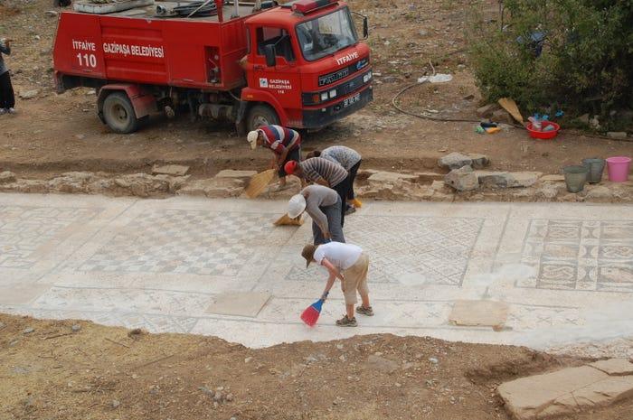 https://www.businessinsider.com/roman-mosaic-southern-turkey-2012-9