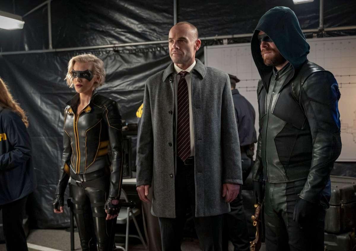 Arrow fica preso em loop temporal no episódio 08x06 (Spoilers)