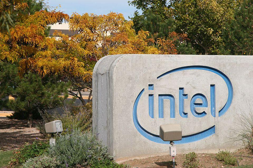 Intel culpa a Qualcomm por fracasso no mercado de modens para celular