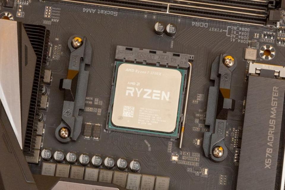 AMD bate novo recorde de vendas de processadores, Intel fica bem atrás