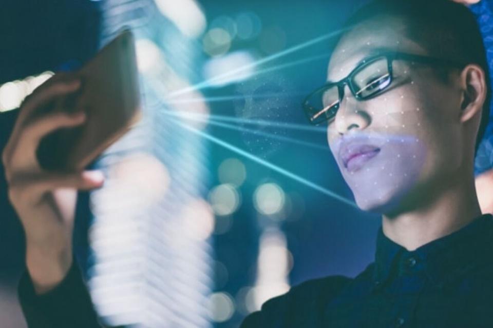 Cidadão terá que fazer Reconhecimento Facial para comprar celular na China