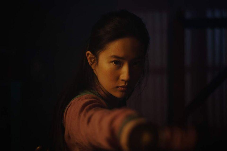 Novo trailer de Mulan mostra a lendária guerreira chinesa em ação