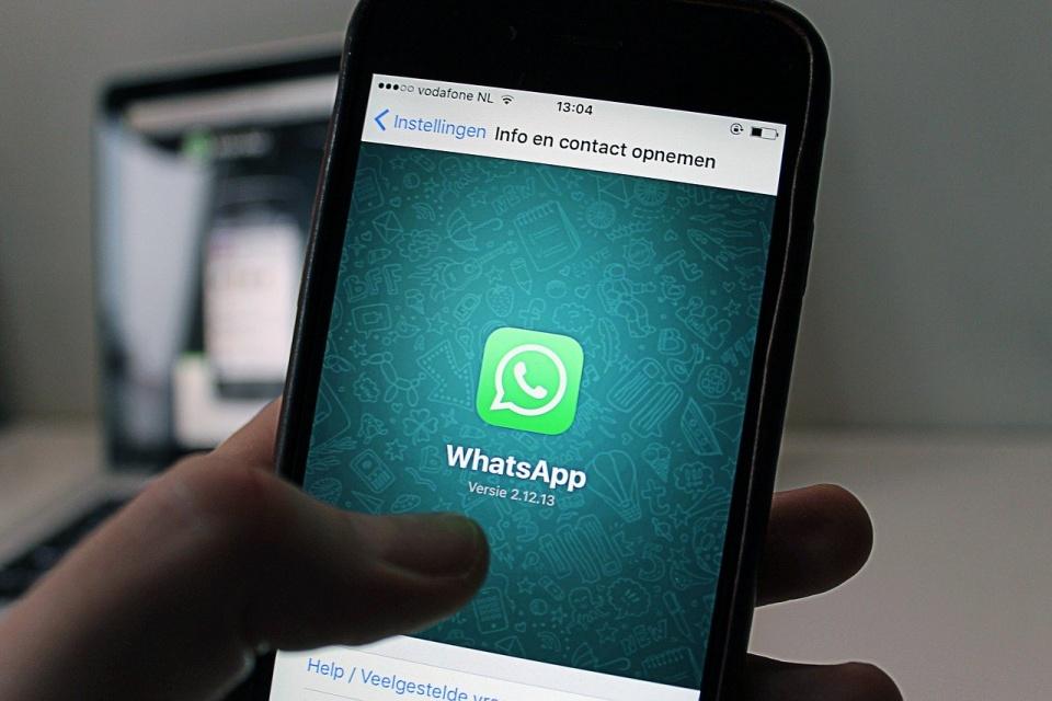 Tema escuro do WhatsApp surge, mas em forma de bug