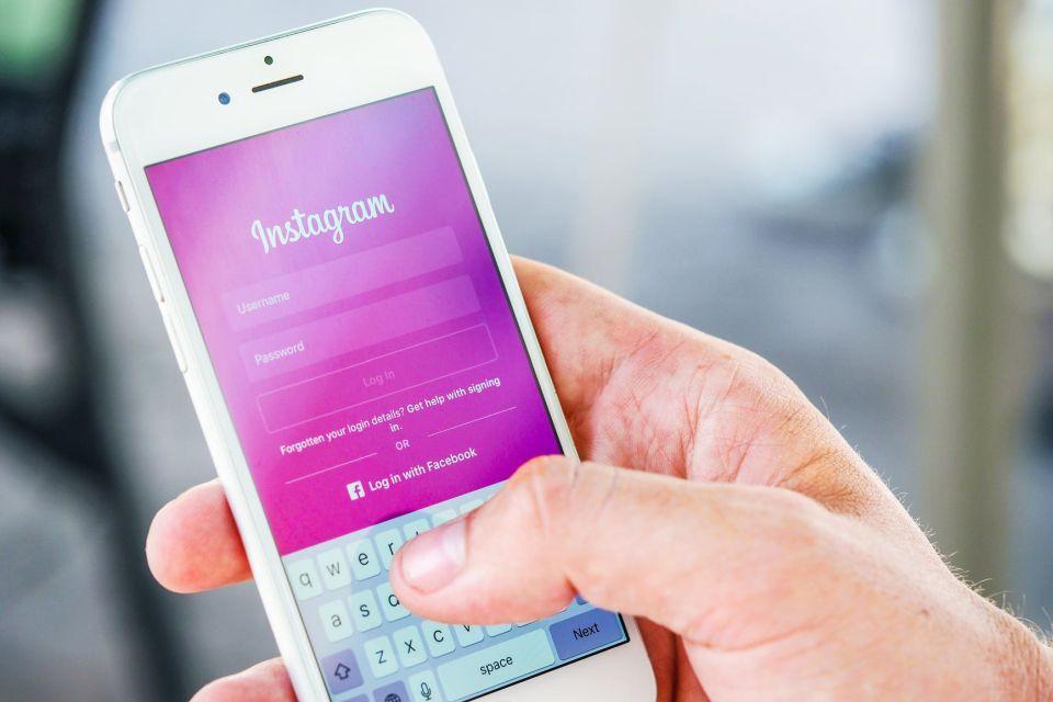Instagram vai alertar usuários antes de postarem legendas ofensivas