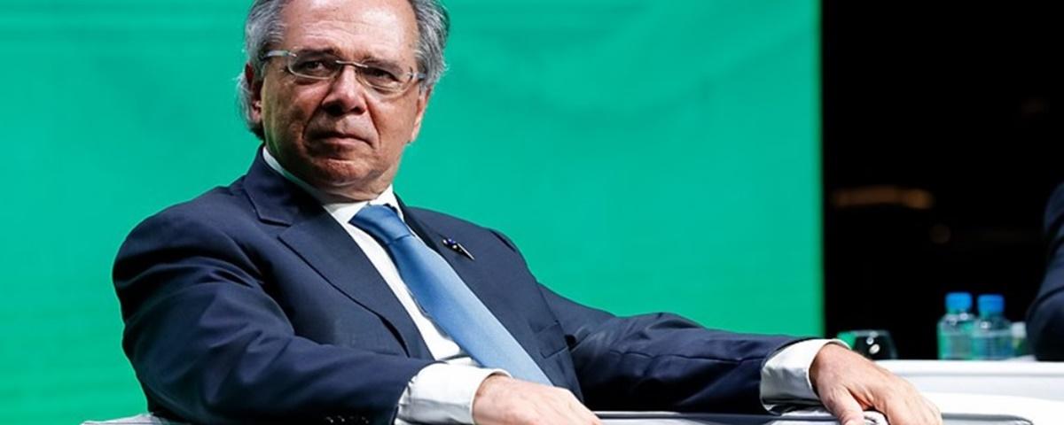 Imagem de: Paulo Guedes pode criar imposto sobre transações bancárias por celular