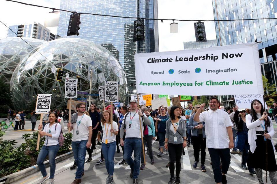 Amazon ameaça demitir funcionários ativistas climáticos