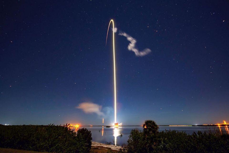 SpaceX põe mais 60 satélites em órbita e preocupa astrônomos