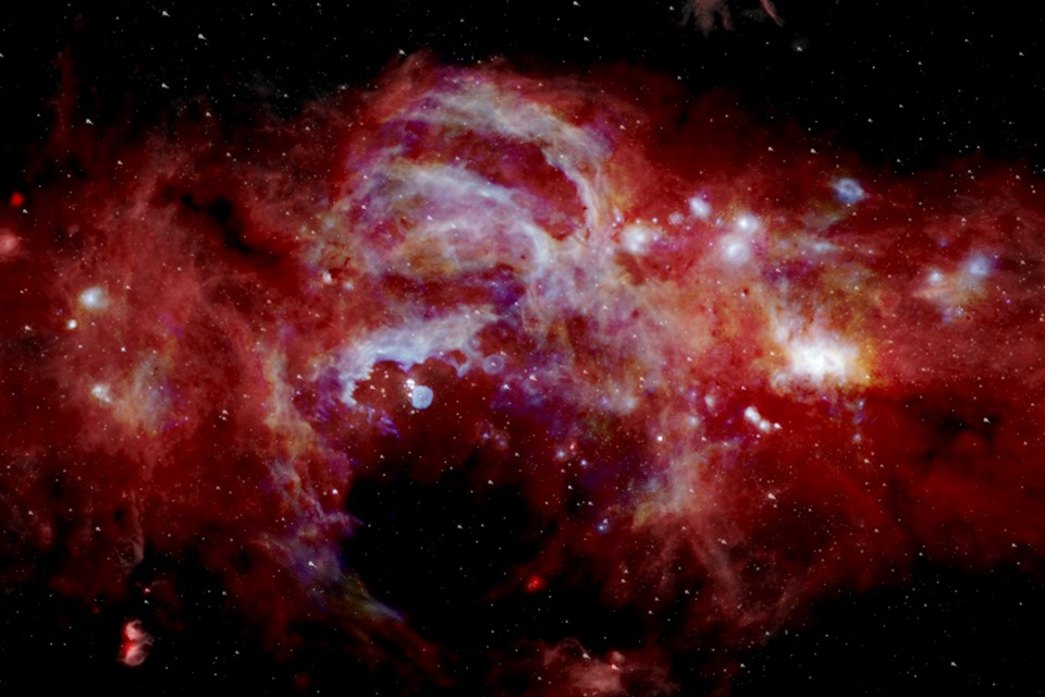 Imagem da NASA parece mostrar o centro da Via Láctea em chamas