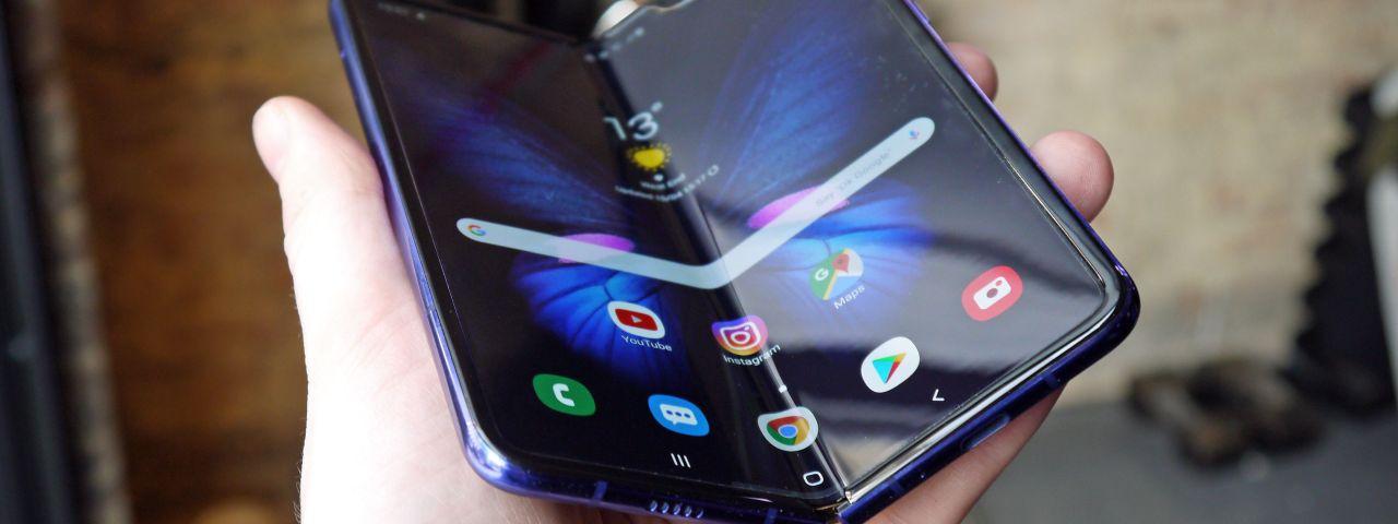 Resultado de imagem para Samsung Galaxy Fold chega ao Brasil em 16 de janeiro