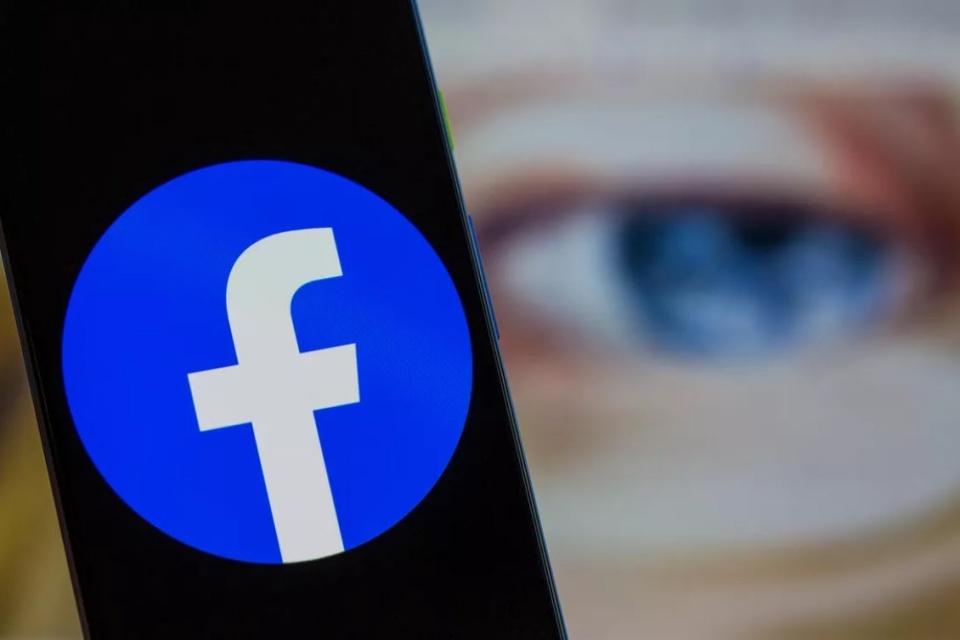 Facebook vai ganhar nova interface e tema escuro no desktop