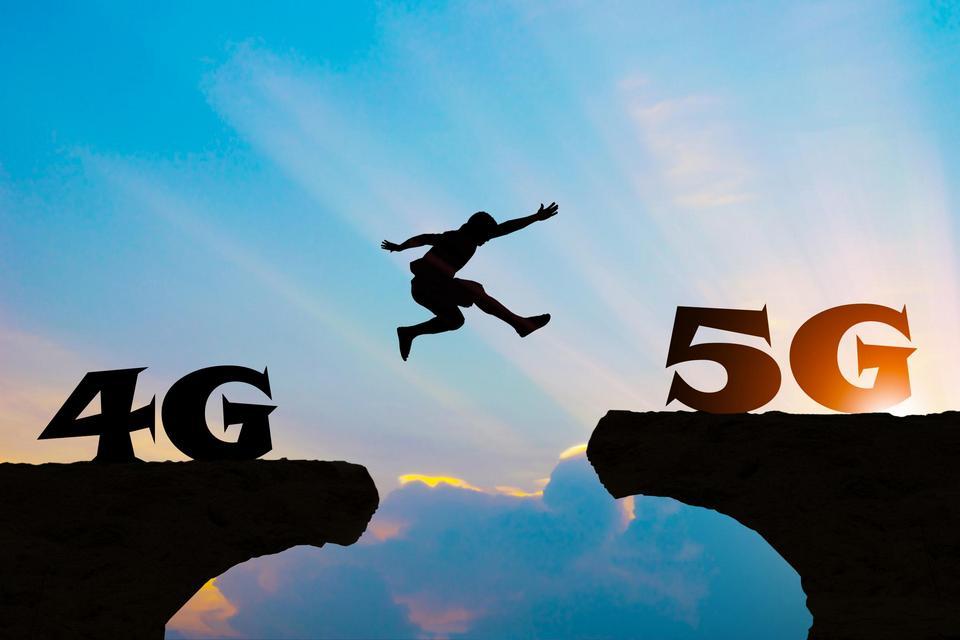 '5G deve ficar para 2022', diz ministro Marcos Pontes