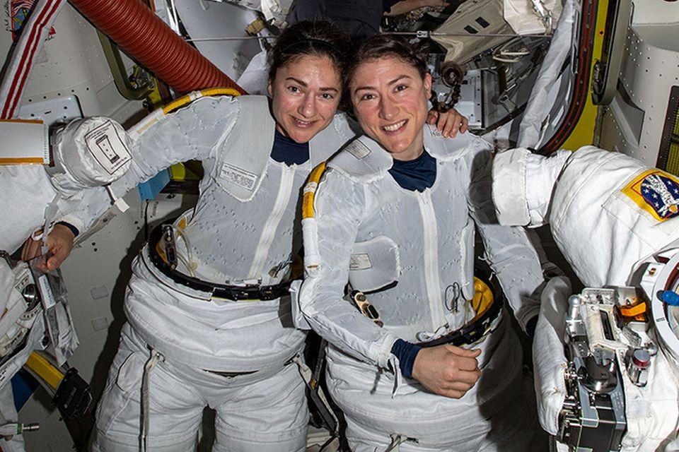 NASA realiza a segunda caminhada espacial totalmente feminina