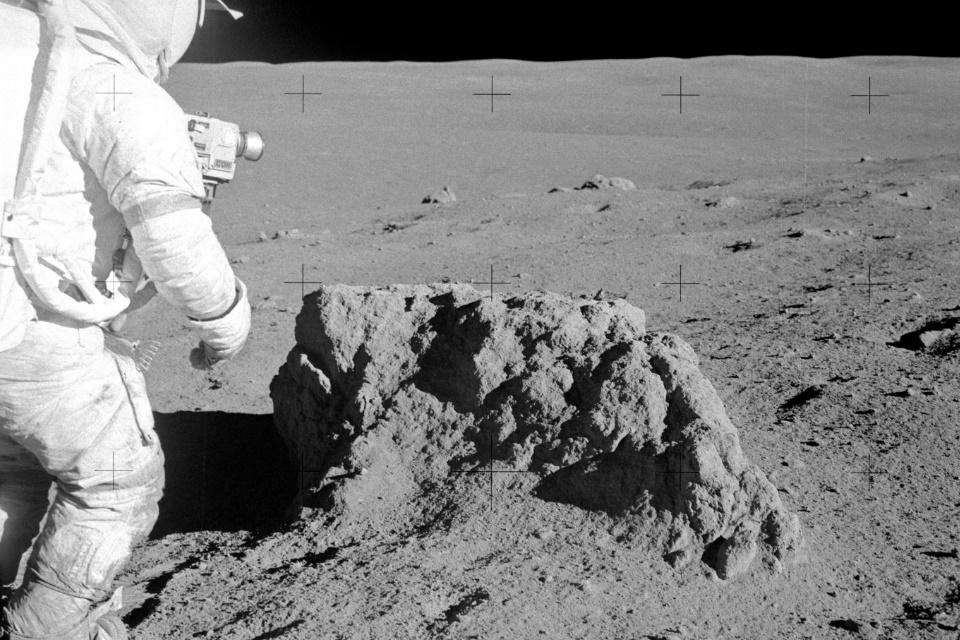 Cientistas encontram forma de extrair oxigênio de poeira lunar
