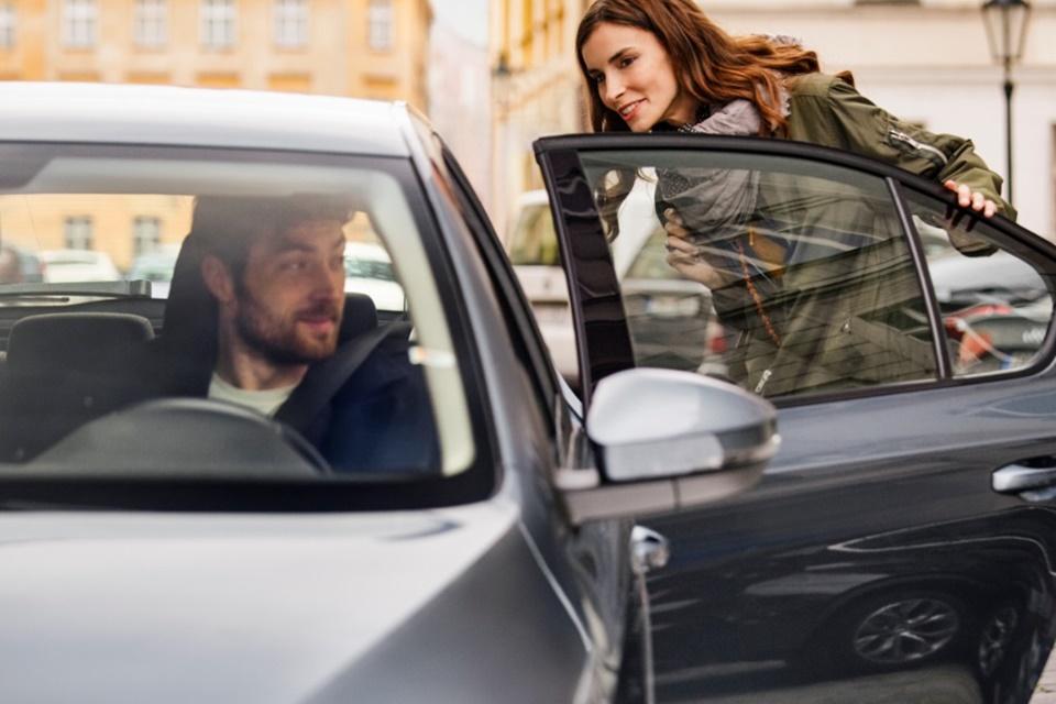 Teste do Uber na Califórnia deixa motorista escolher valor da corrida