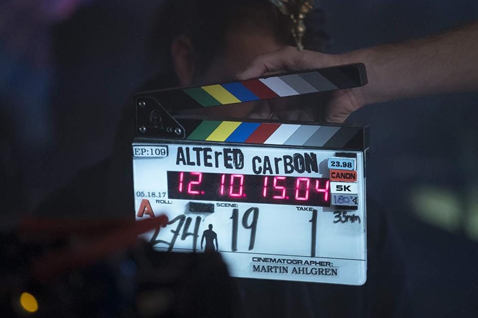 Altered Carbon: Netflix divulga data de estreia da 2ª temporada