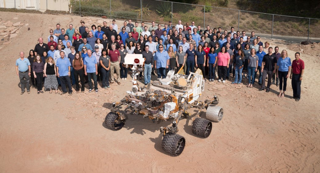 Parte da equipe do Mars Science Laboratory Project da NASA, que opera o rover Curiosity em Marte