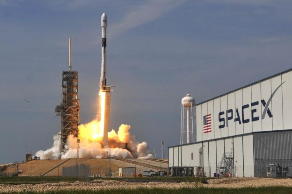 SpaceX vai enviar mais 60 satélites Starlink para o espaço