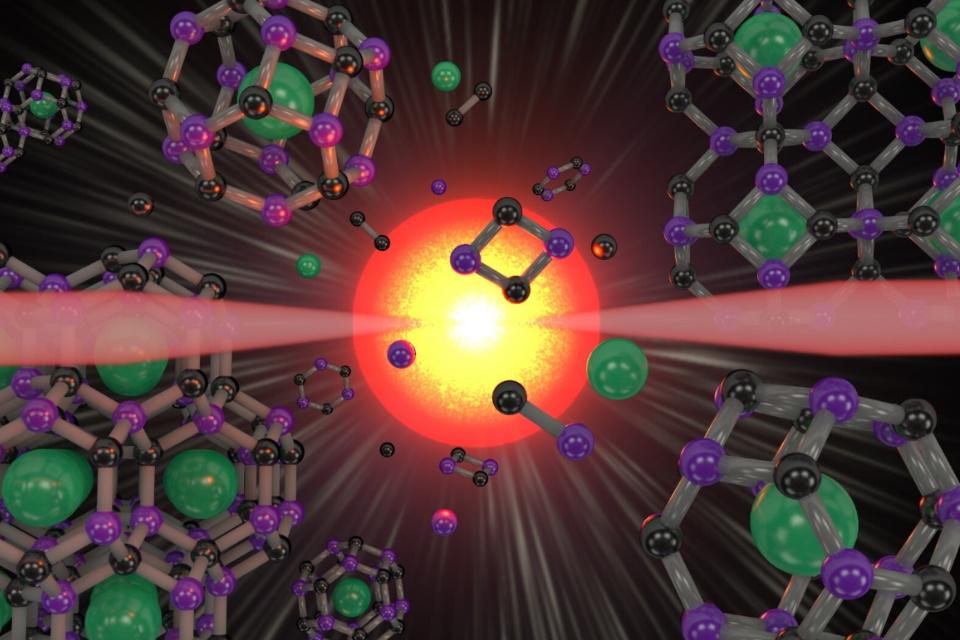 """Gaiola"" de superdiamante sintético muda propriedades de materiais"