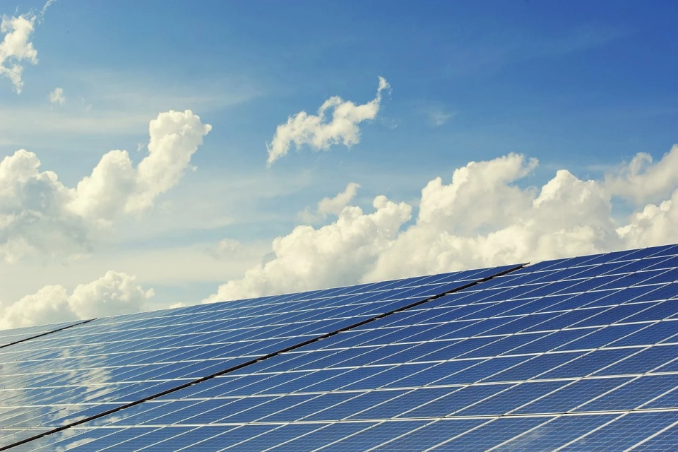 Projeto de lei se opõe à taxação de 60% no setor de energia solar