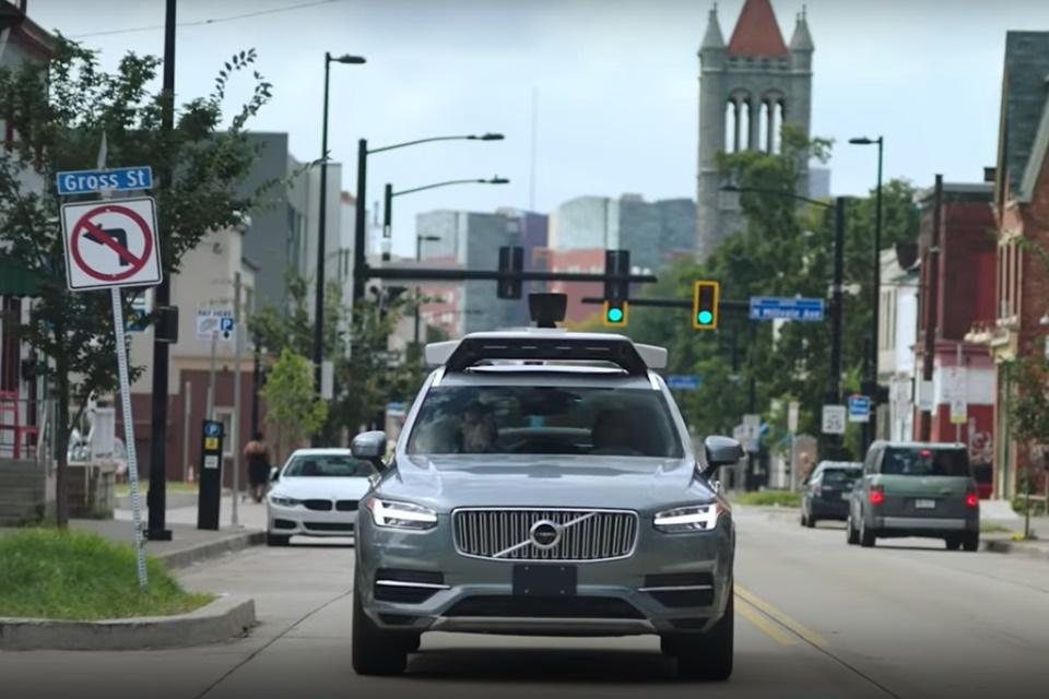 2 anos após acidente, carros autônomos da Uber voltam à Califórnia