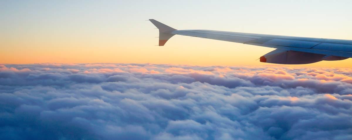 Imagem de: O que acontece se você não ligar o modo avião durante o voo?
