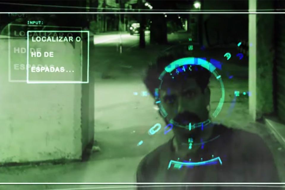 Gambiarra: o HD de Espadas — assista online ao filme cyberpunk