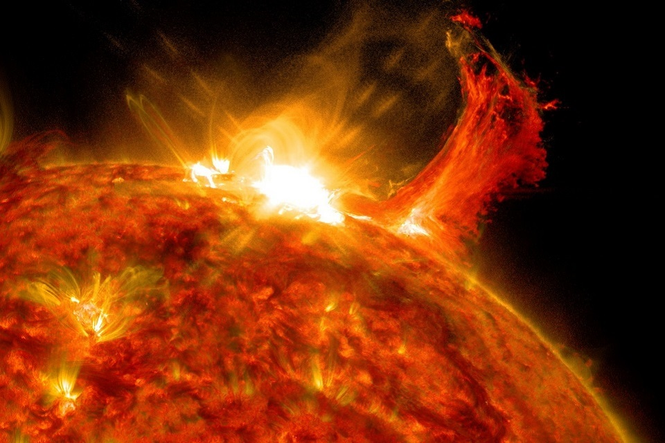 Telescópio na Terra filma células de plasma na superfície do Sol