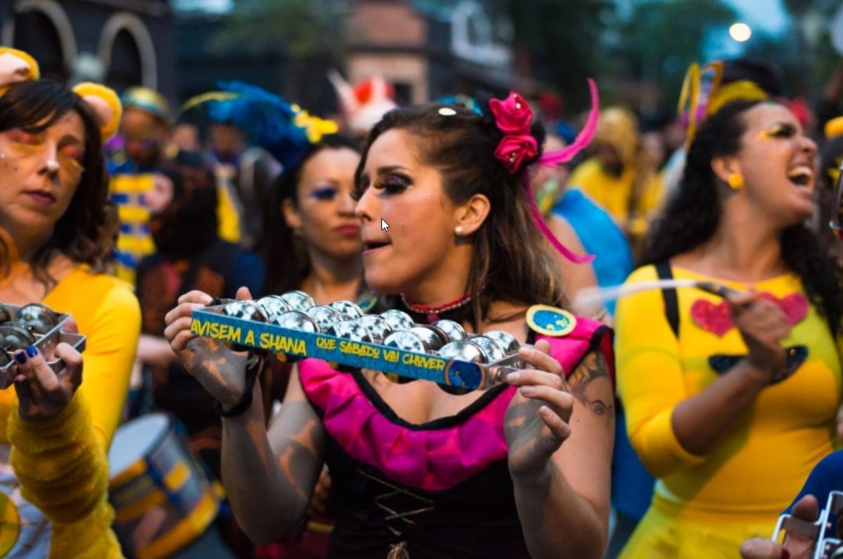 Veja como encontrar e fugir de blocos de carnaval pelo celular