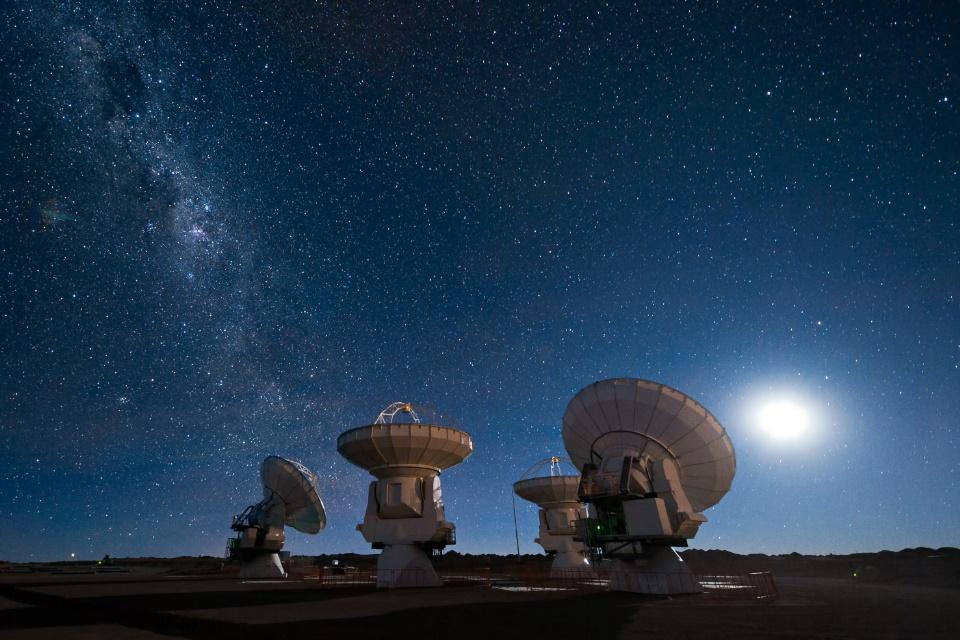 Será que os governos deveriam investir na busca por vida alienígena?