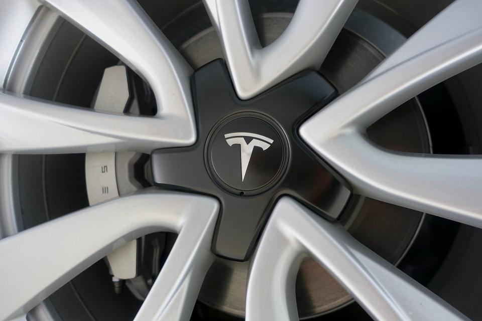 Fábrica Tesla tem construção suspensa por grupo ambientalista alemão