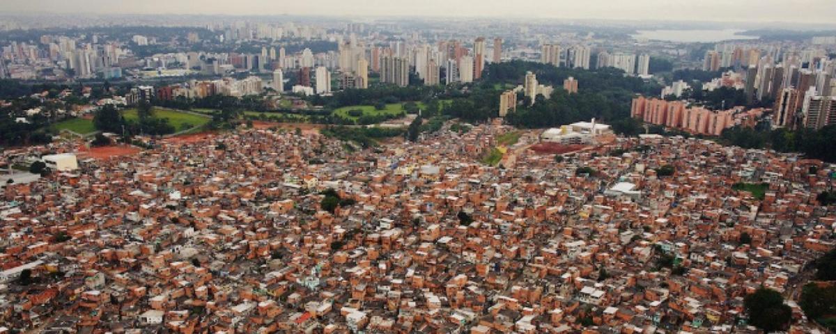 Imagem de: Favela cria operadora de celular exclusiva para atender moradores