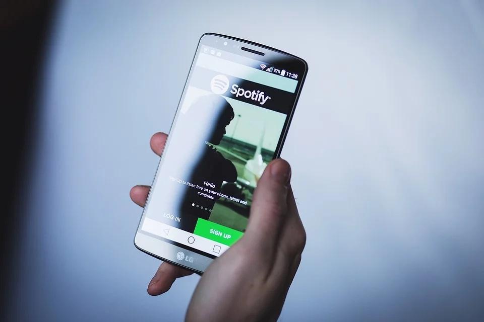 Spotify Beta começa a exibir letras de músicas no Android e iOS