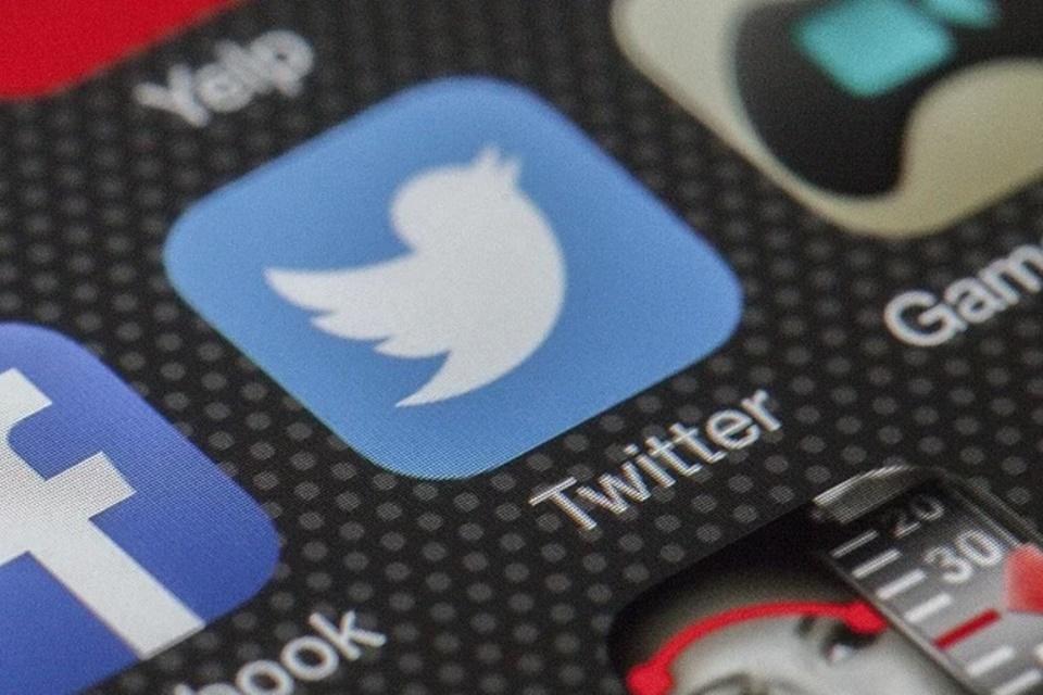 Twitter facilita theads com posts antigos e testa nova checagem de fatos