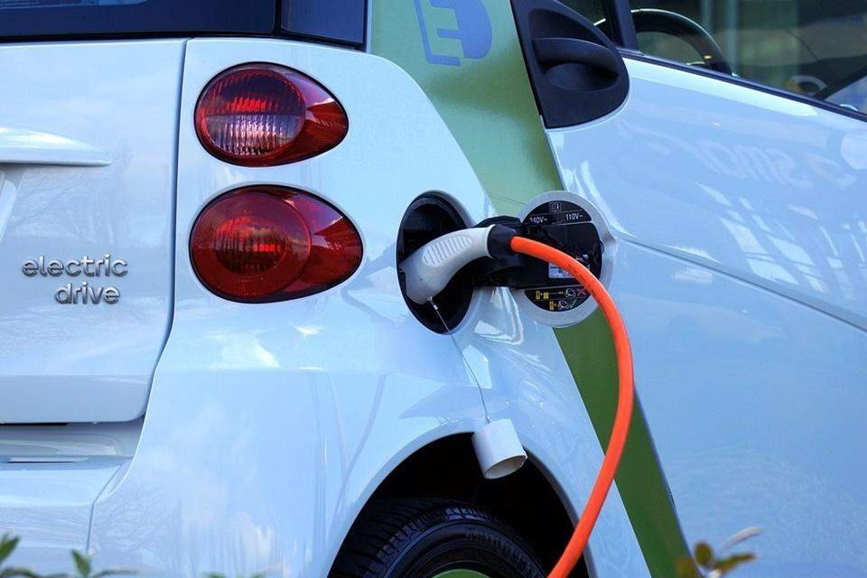 Só elétricos: Singapura quer banir carros a gasolina até 2040