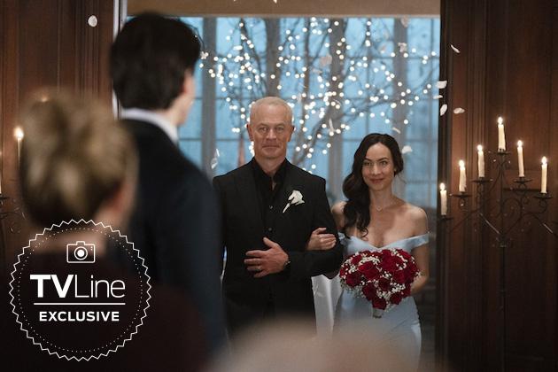 Legends of Tomorrow: fotos mostram casamento em próximo episódio