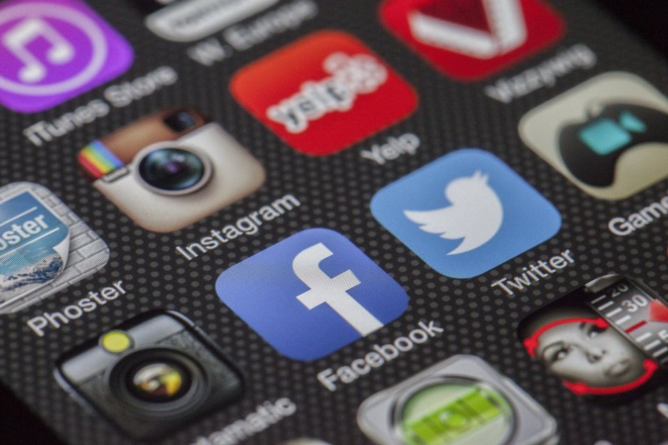 Instagram teria ultrapassado Facebook em número de usuários