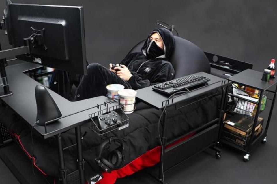 Japoneses lançam 'cama gamer' com setup mais que completo