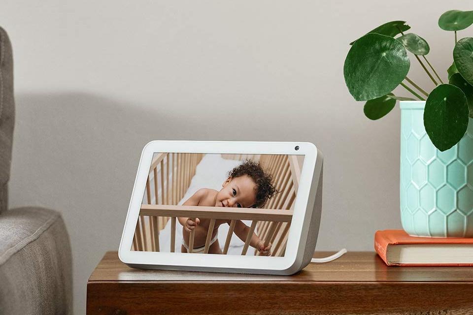 Echo Show 8 chega ao Brasil; Amazon Alexa em tela inteligente