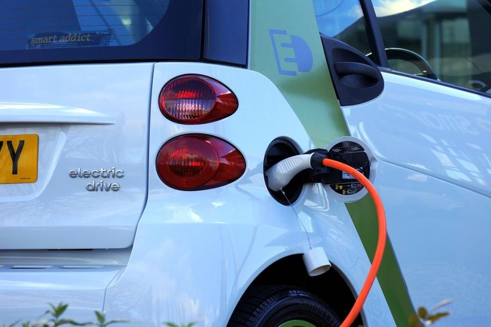 Venda de carros elétricos bate recorde na Espanha