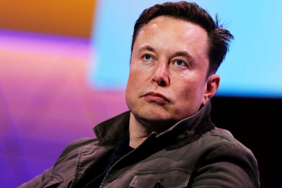 Elon Musk diz que pânico em relação ao coronavírus é 'estúpido'