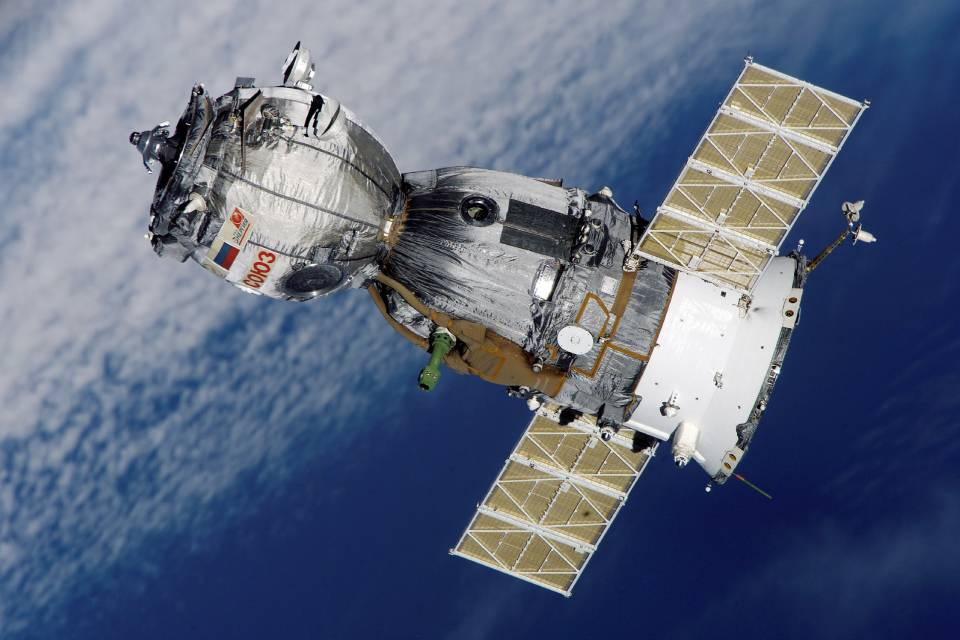 NASA aprimora sistema que transforma urina em água na ISS