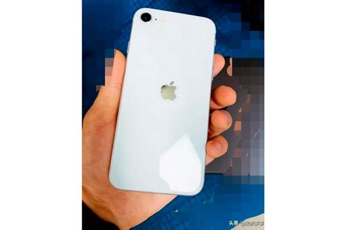 Foto do suposto iPhone 9